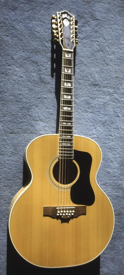 Tuning down guitars that are not played frequently?-guild-f-412_01-jpg