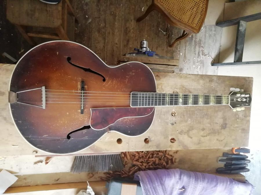 Can anyone help identify this guitar?-img_20200813_095140-jpg