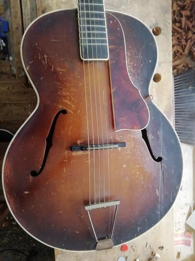 Can anyone help identify this guitar?-img_20200813_095217-jpg