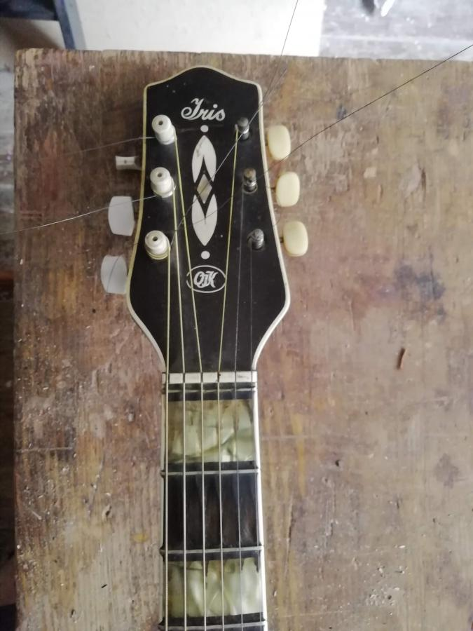 Can anyone help identify this guitar?-img_20200813_095158-jpg