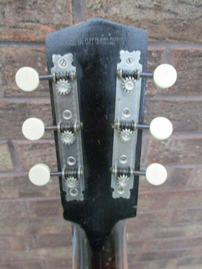 Help me identify this old archtop-dixie_01_05-jpg