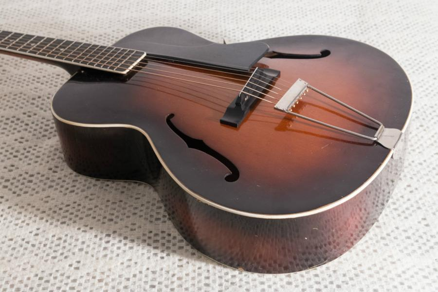 Help me identify this old archtop-schonbach_nn_02_04-jpg
