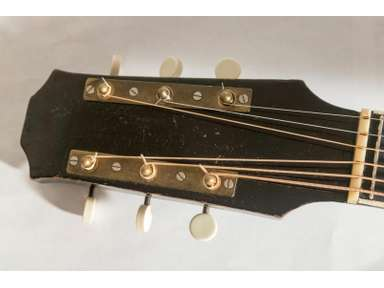 Help me identify this old archtop-schonbach_nn_02_14-jpg