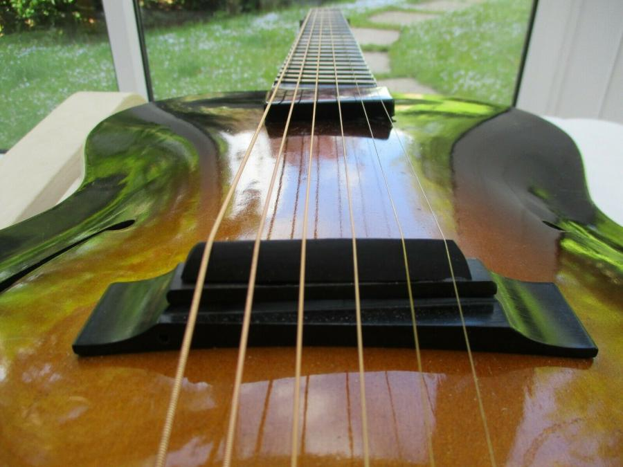 Help me identify this old archtop-schonbach_nn_29_09-jpg