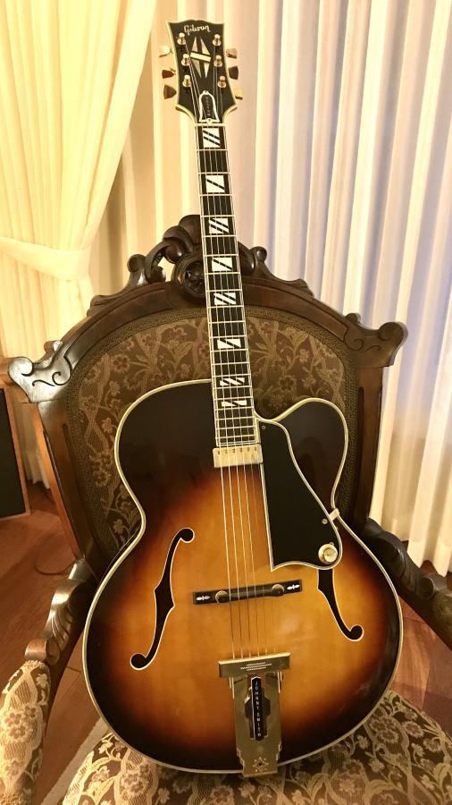 Gibson Johnny Smith-288a4af1-c654-40eb-b88c-f35f5813bba9-jpg