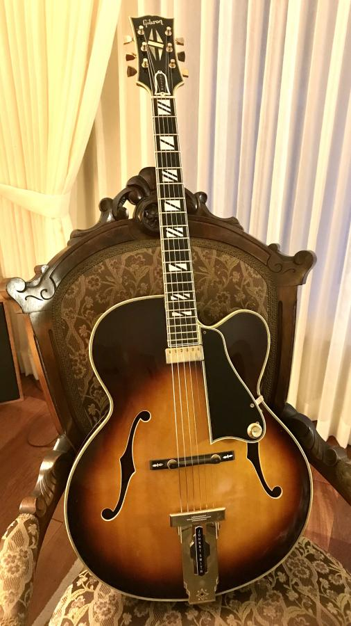 Gibson Johnny Smith-288a4af1-c654-40eb-b88c-f35f5813bba9-jpg