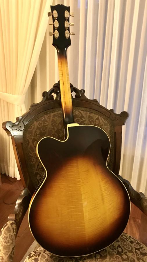 Gibson Johnny Smith-f61f7cfa-91a9-43bd-a436-484c94a9a124-jpg