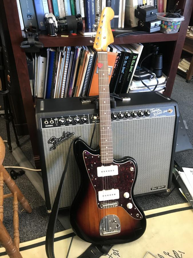 Does anybody use a Fender Jazzmaster for jazz?-img_6171-jpg