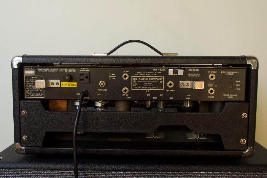 Amp to drive Fender JMUL 2-ohm load?-ampeg-v2-rear-jpg