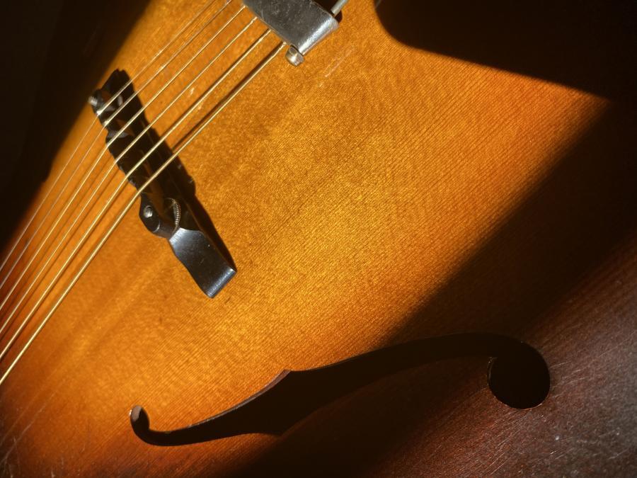 Gibson L-50 and Thumb Pain-img-9670-jpg