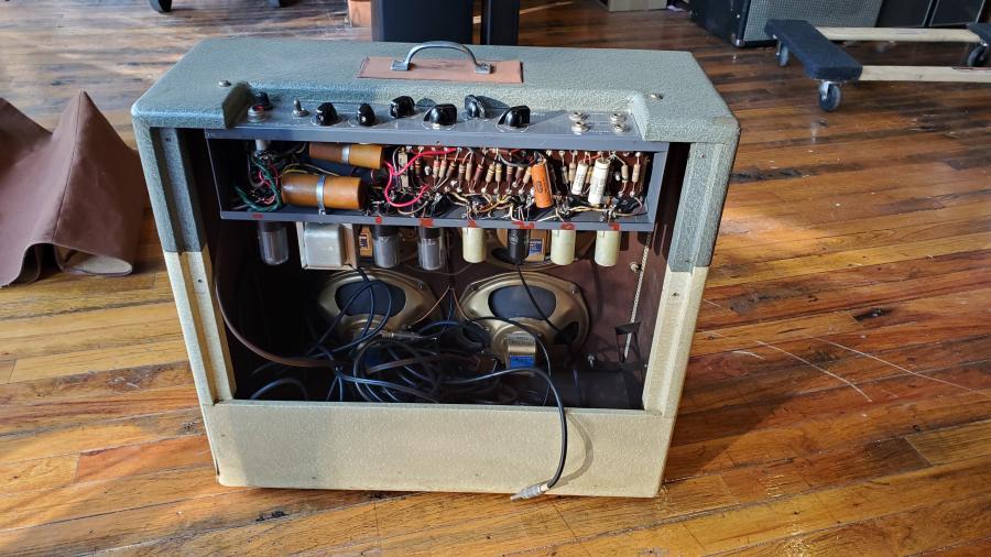 Gibson Maestro GA-45T Amp-gibson-maestro-back-jpg