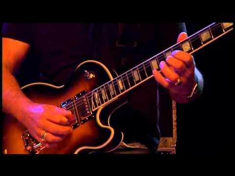 Gibson Les Paul - What well-known jazz guitar players have used one?-akkerman-jpg