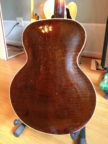 Gibson L-12-9162930456_5d784caf3f-jpg
