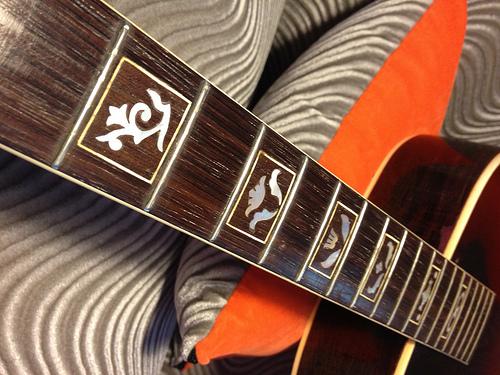 Gibson L-12-9162932616_27b95a8e0d-jpg