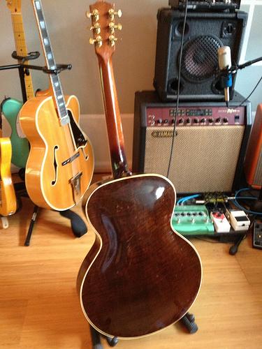 Gibson L-12-9162929332_42e982464e-jpg