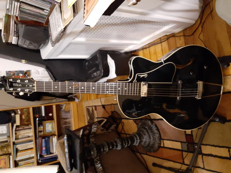 Show Me Your Black Archtop-20201108_194148-jpg