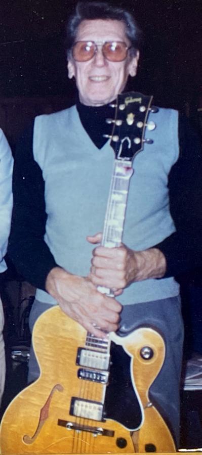 Honest Question: What's the Gibson Tal Farlow's Magic?-ed0eb741-3545-4ca8-b874-95454f166df0-jpg