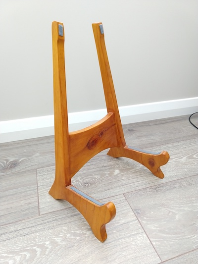 Wooden Guitar Stand (floor)-img_20201103_134657684-jpg