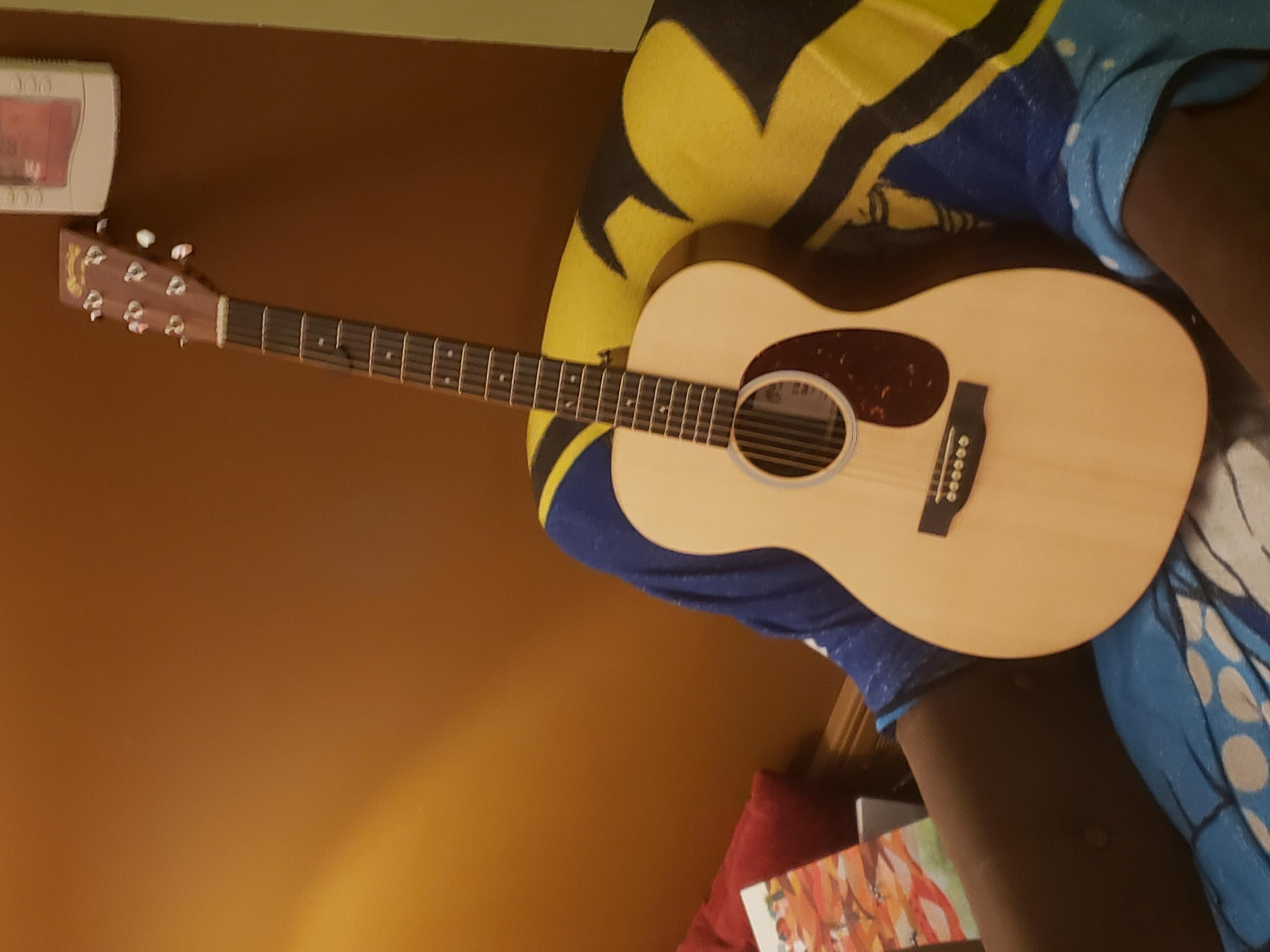 Retail therapy...bought a Martin 000-20210124_190056-jpg