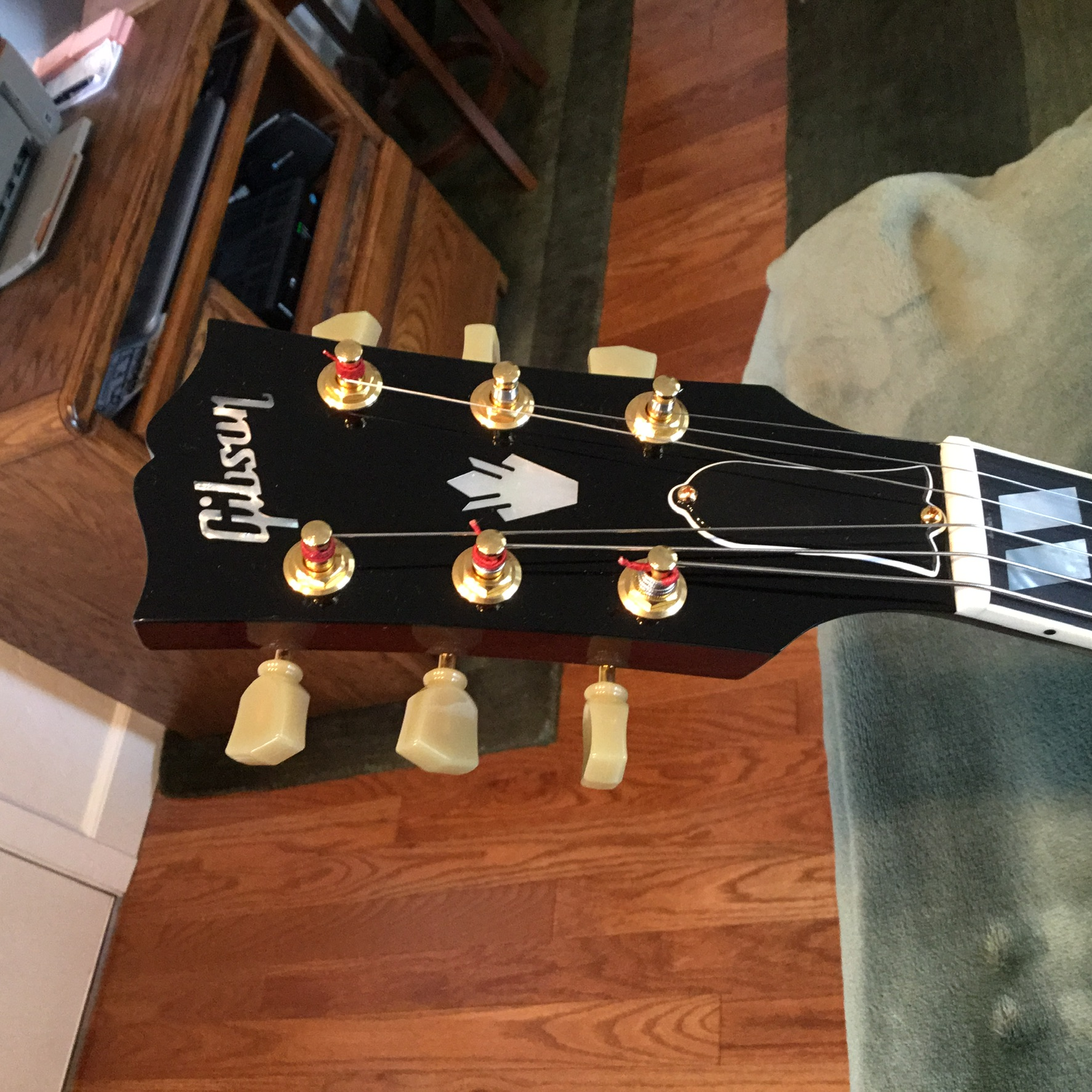 Visual Appearances of Headstocks-00d4254c-e38a-4278-be45-413e731ce3f1-jpeg