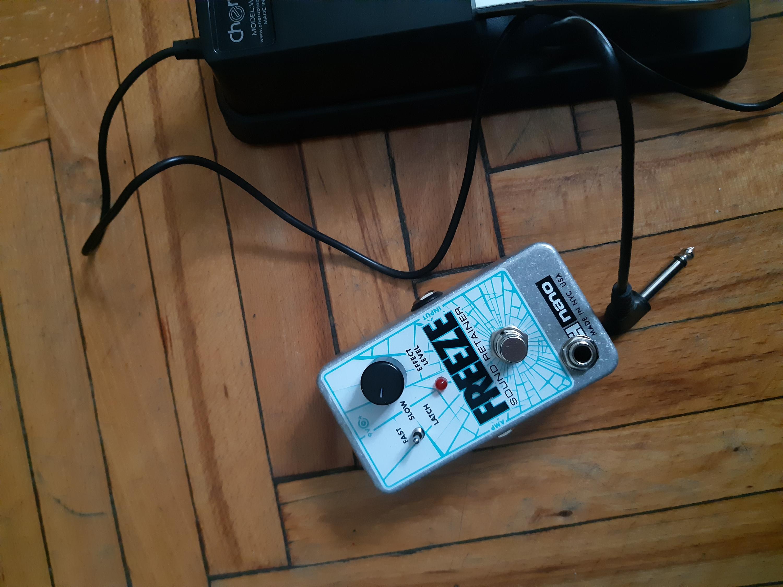 EHX Freeze and Gamechanger Audio Plus-20210412_190350-jpg