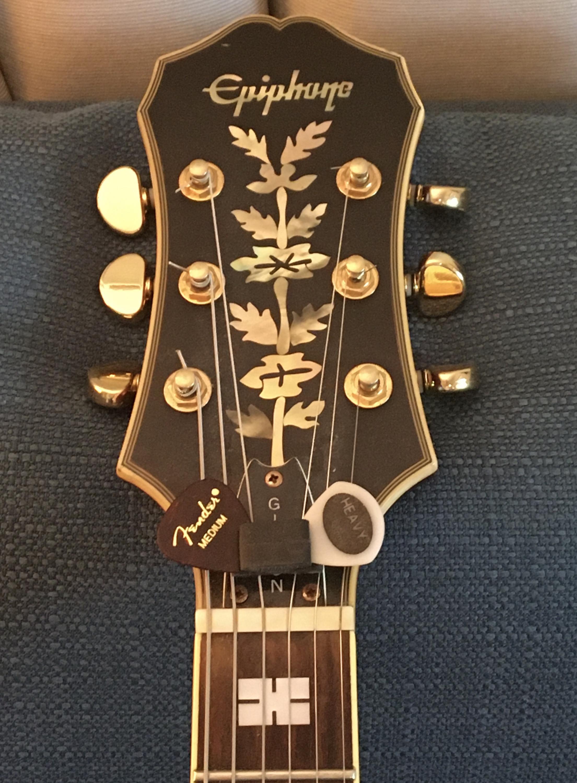 How to Mute Tailpiece Strings?-5ea2f346-f41d-46f1-988d-769a7a2b5e0d-jpg