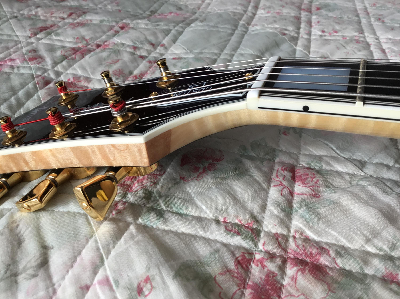 Gibson vs Campellone headstocks-75676556-1b0e-40f4-b8f7-539d90be8b3b-jpg