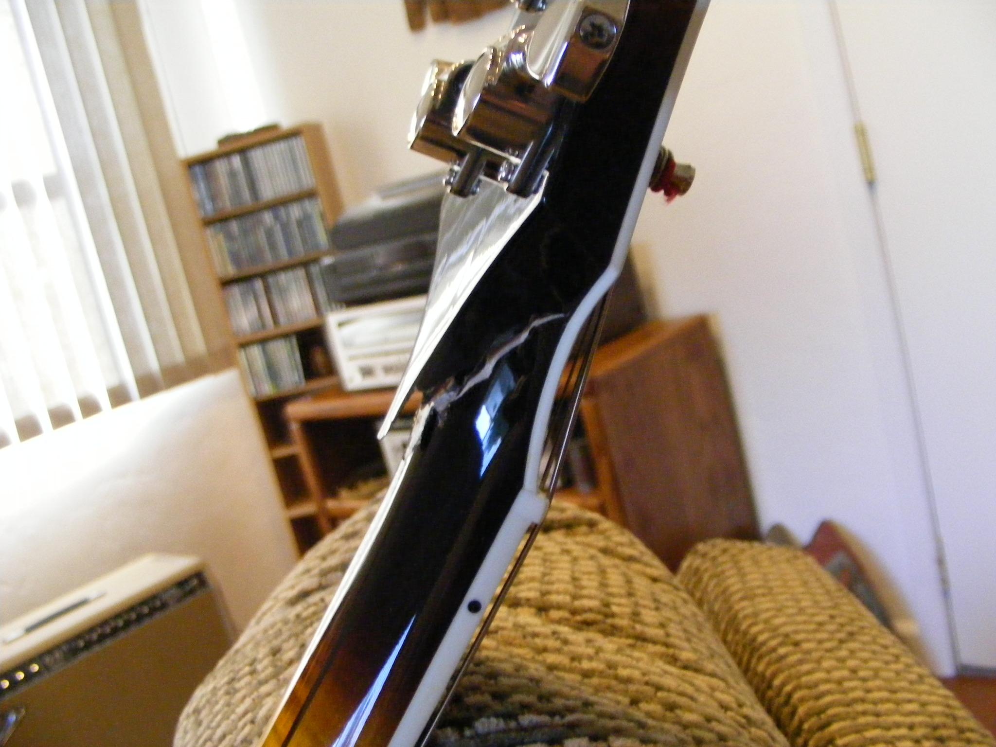 Gibson vs Campellone headstocks-9d028196-9dc1-44ad-b12b-1e544c9fa5ad-jpeg
