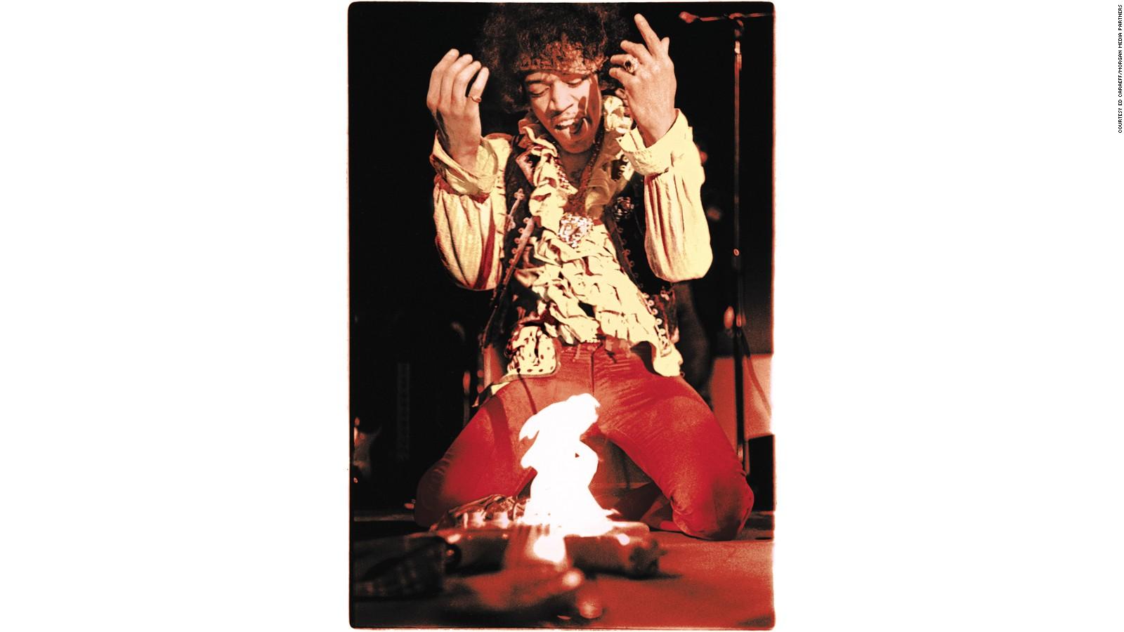 Jimi  Hendrix's guitar string gauges-jimi-hendrix-guitar-fire-jpg