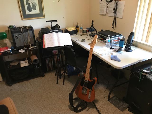 Feeling cramped: need table  for home studio-img_2372-jpg