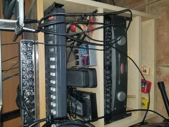 Feeling cramped: need table  for home studio-shelf-small-jpg