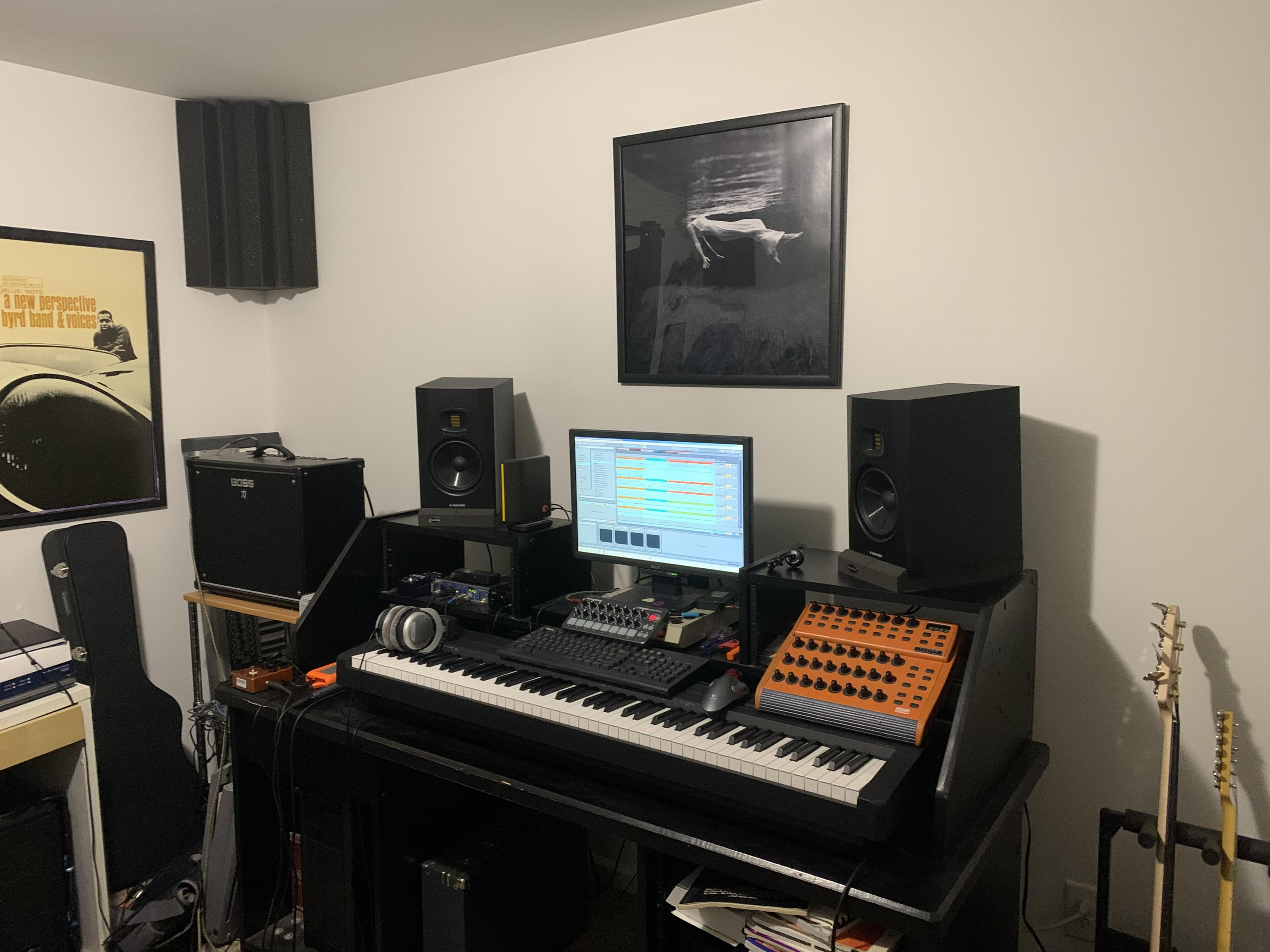 Feeling cramped: need table  for home studio-970d63ad-6ef7-48ed-9714-86f306c205dc-jpg