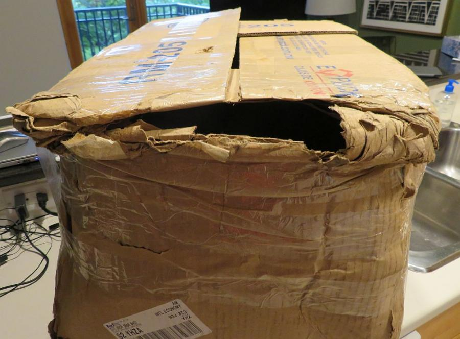 FEDEX Shipping Insurance on 00+ Archtop-outerboxdamage2-jpg